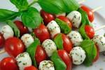 Gemüsespieße mit Tomate Mozzarella