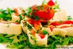 Tomaten-Mozzarella-Roellchen